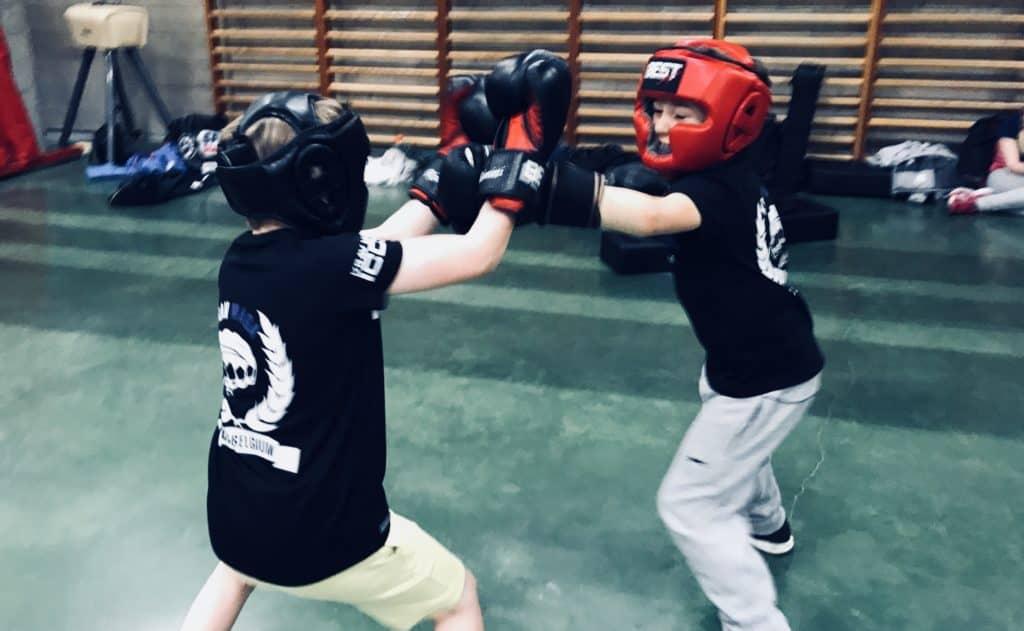 self defense 020319 1024x631 - Fight club chez les ados