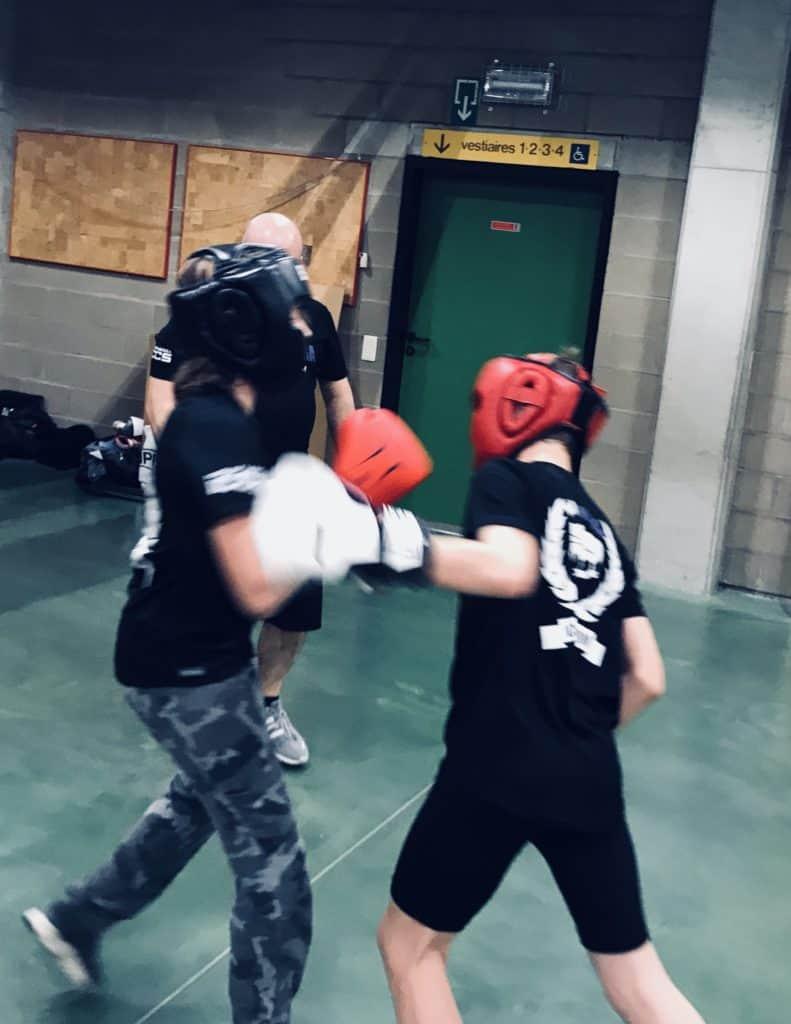 self defense 060319 791x1024 - Fight club chez les ados